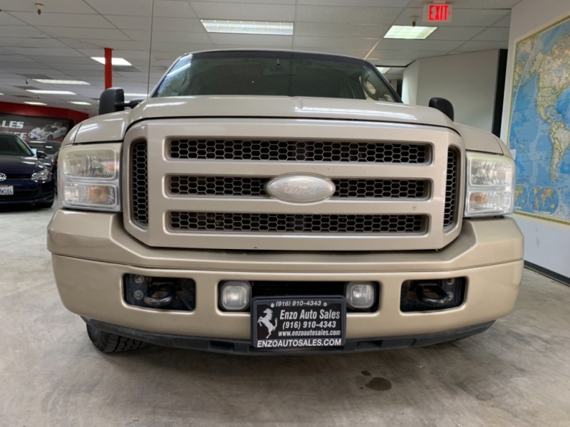 Ford Excursion Limited 2005 price $15,500