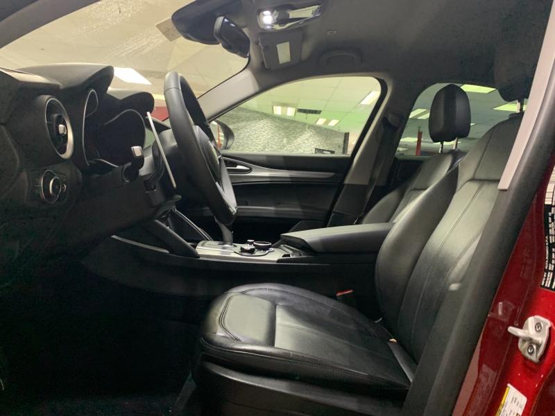Alfa Romeo Stelvio AWD 2018 price $26,800