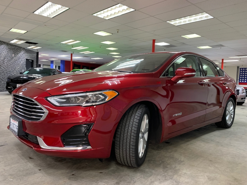 Ford Fusion SEL Hybrid 2019 price $16,800