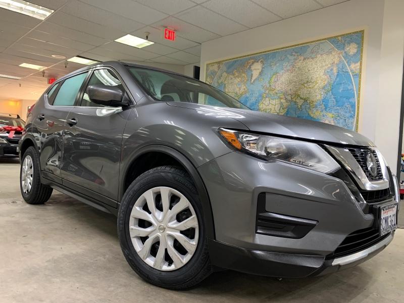 Nissan Rogue S 2018 price $14,700