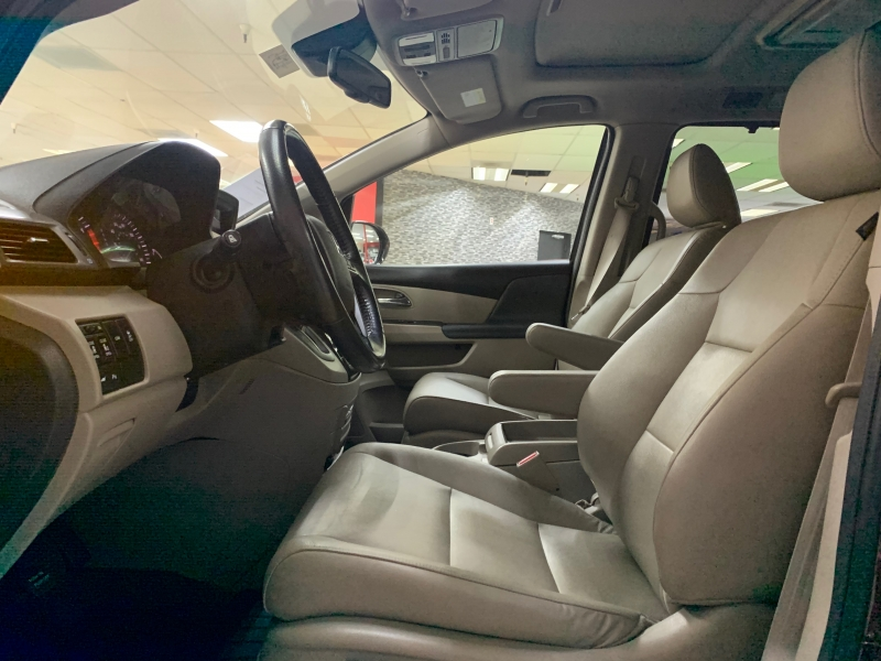 Honda Odyssey Touring 2017 price $31,500