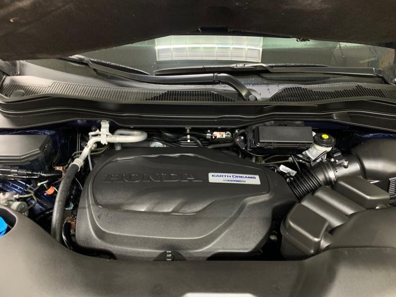 Honda Pilot Touring AWD 2017 price $33,500