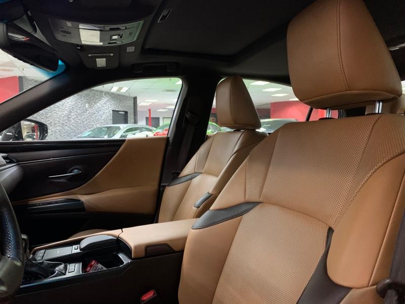 Lexus ES 350 Luxury 2019 price $37,000