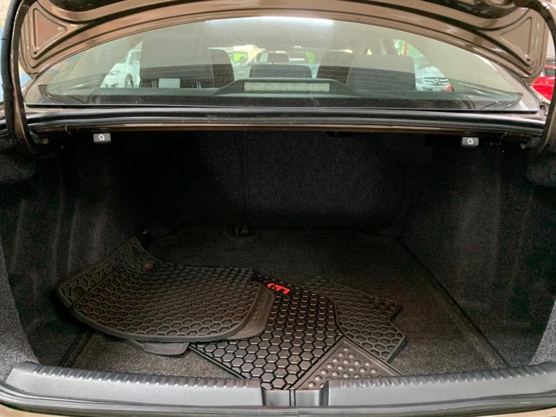 Volkswagen Jetta 1,8T SE 2015 price $9,900