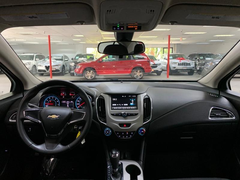 Chevrolet Cruze LS 2017 price $9,900