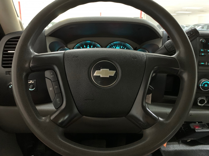Chevrolet Silverado 3500HD Utility 4WD 2009 price $11,500