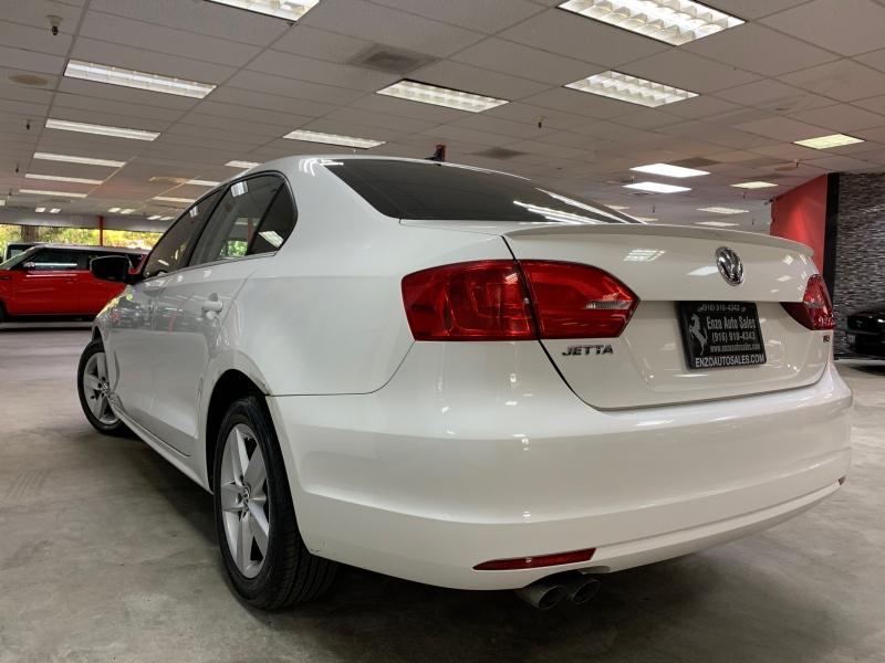 Volkswagen Jetta 2.0T TDI DSG 2013 price $9,500