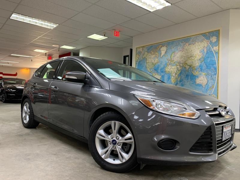 Ford Focus SE 2013 price $6,000