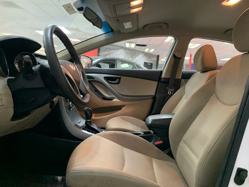 Hyundai Elantra SE 2016 price $7,900