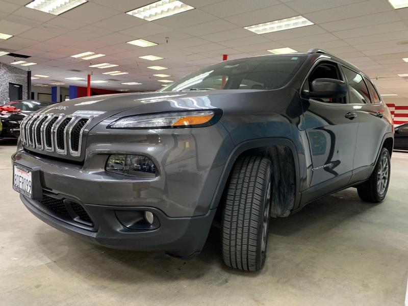 Jeep Cherokee Latitude Plus 2018 price $15,900