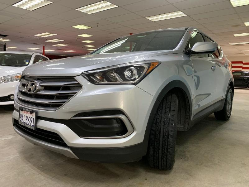 Hyundai Santa Fe Sport 2018 price $13,900