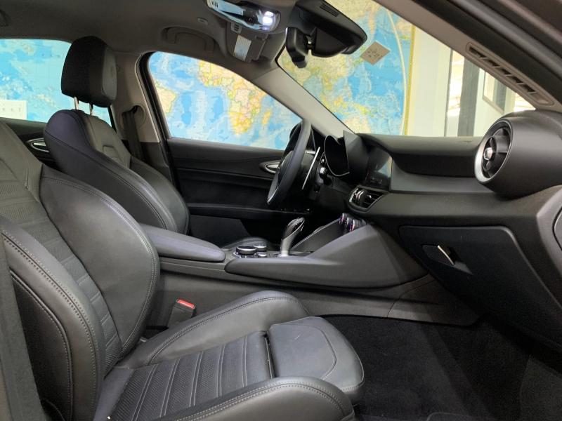 Alfa Romeo Giulia Ti AWD 2017 price $24,900