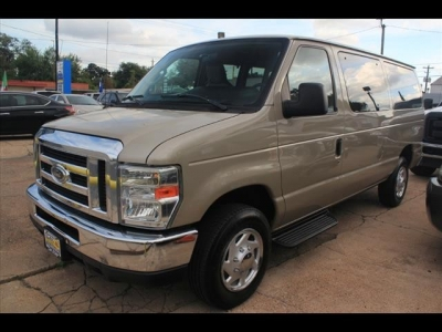 Ford Econoline Wagon E350 SD XL 2010