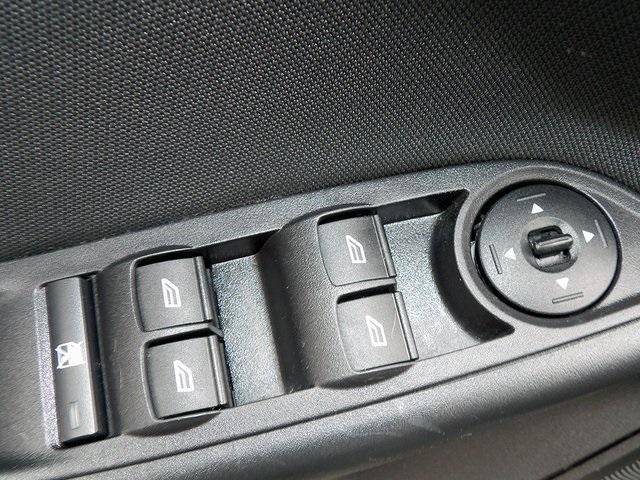 Ford Focus 2016 price $9,995