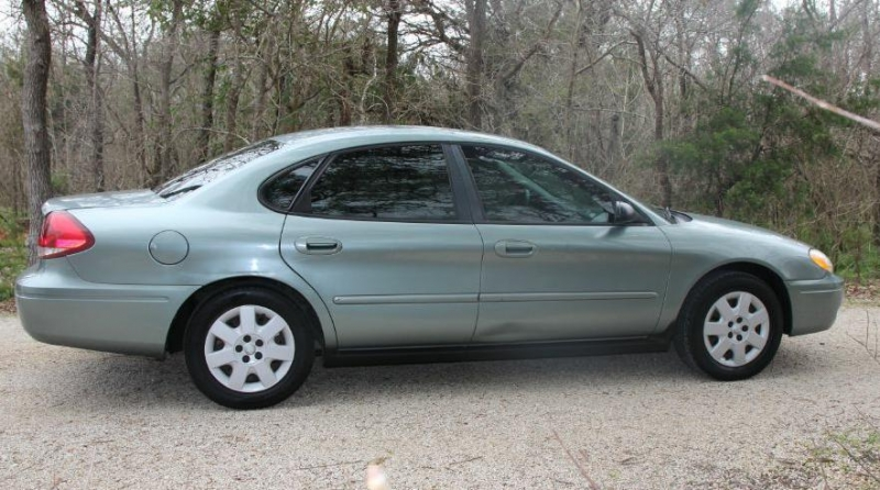 FORD TAURUS 2005 price $3,750