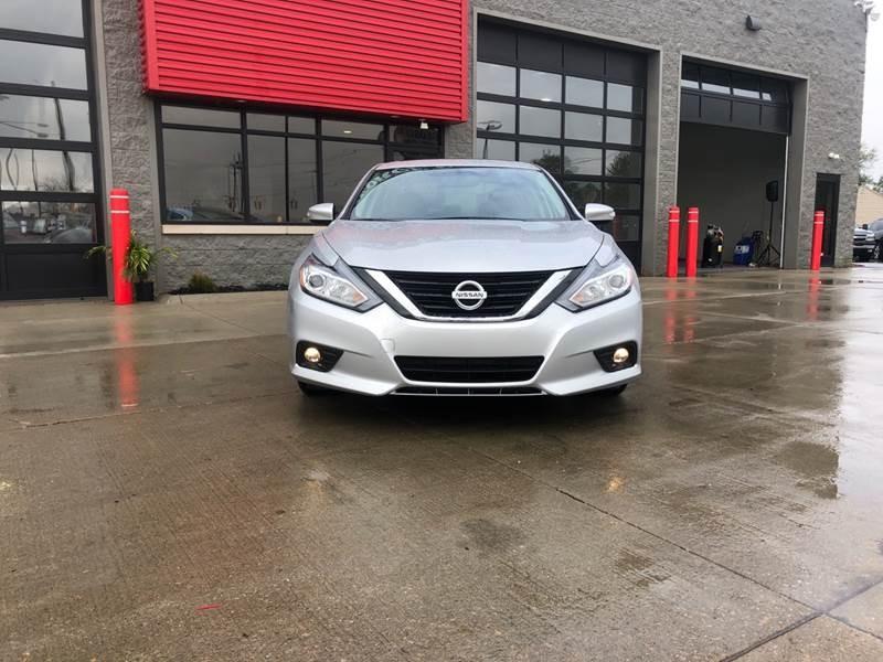 Nissan Altima 2017 price $14,950