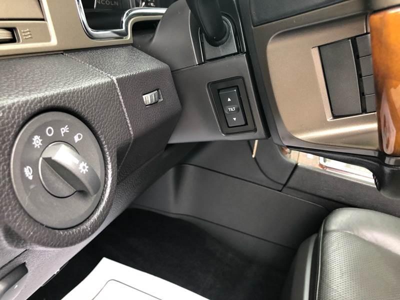 Lincoln Navigator 2012 price $13,950