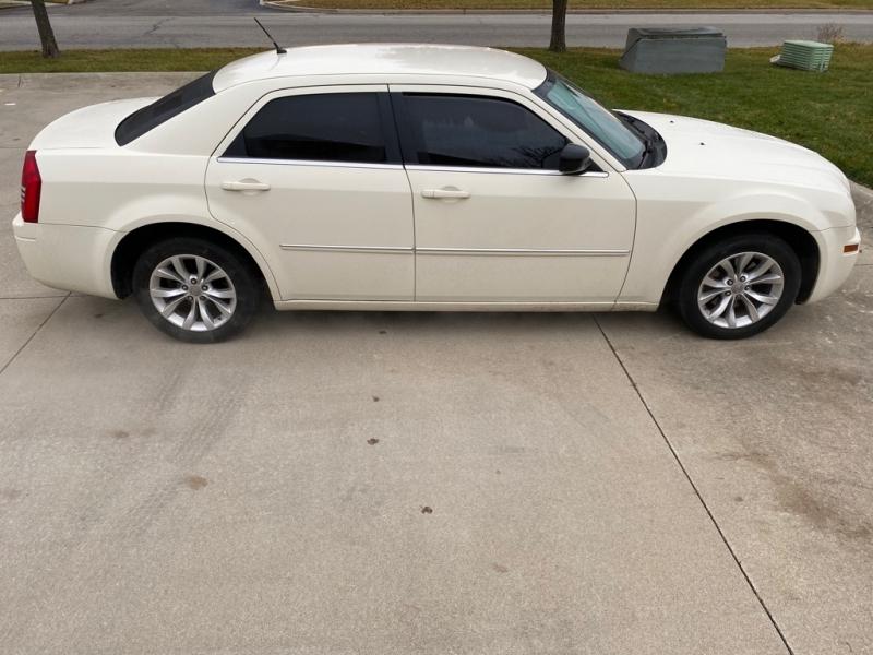 CHRYSLER 300 2008 price $5,000