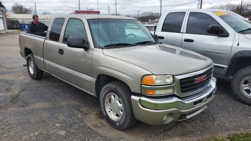 GMC NEW SIERRA 2003 price $4,300