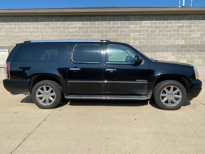 GMC YUKON XL 2011 price $13,900