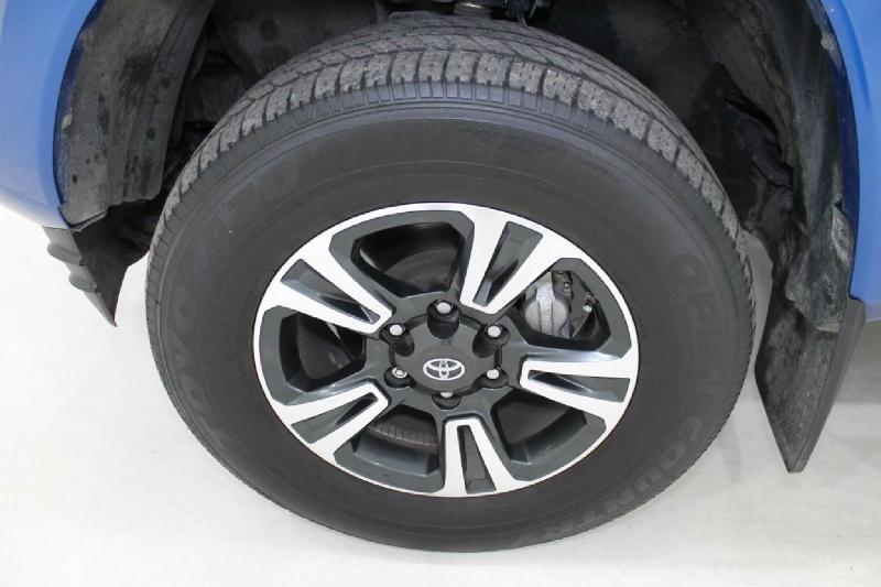 Toyota TACOMA 2017 price $33,777