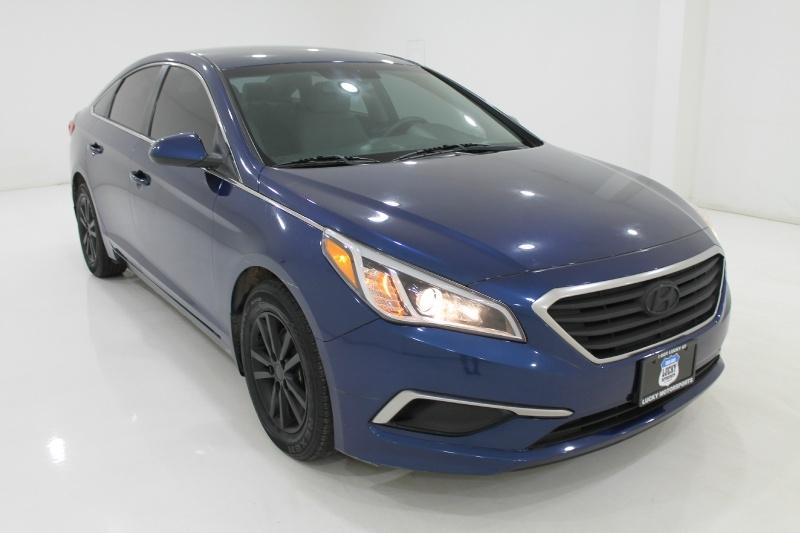 Hyundai SONATA 2016 price $12,777