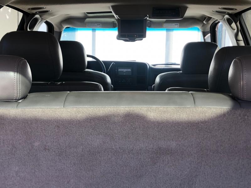 Chevrolet Suburban 2005 price $3,988