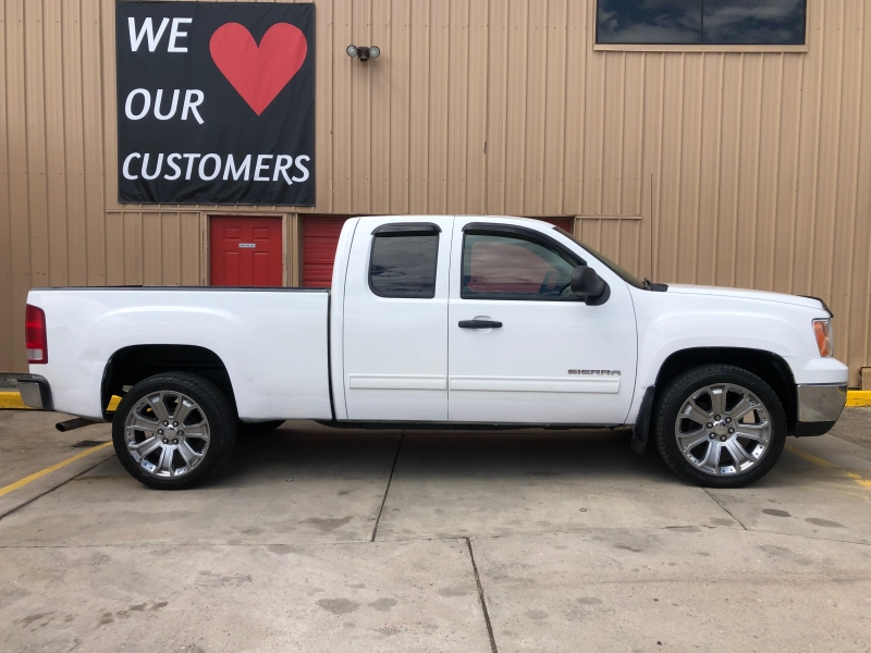 GMC Sierra 1500 2013 price $12,988