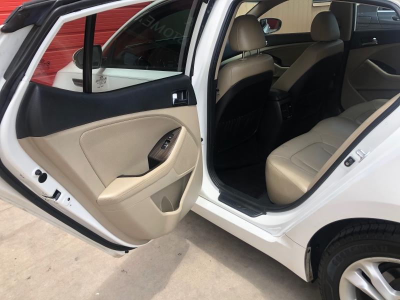 Kia Optima 2011 price $8,988
