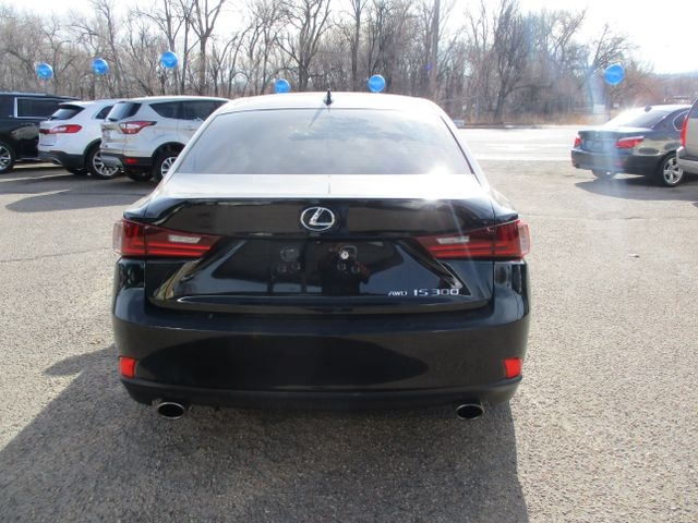 Lexus IS 2016 price