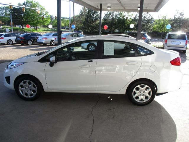 Ford Fiesta 2013 price $7,999