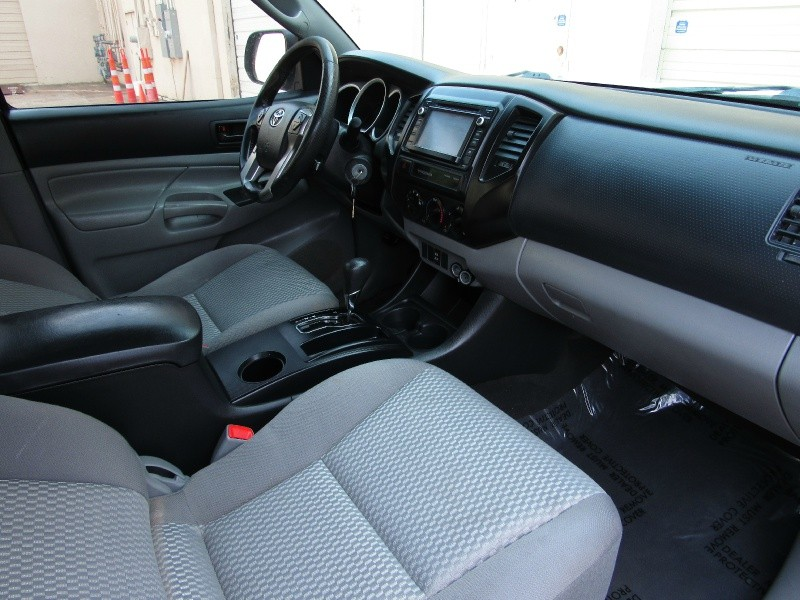 Toyota Tacoma PreRunner 2015 price $18,995