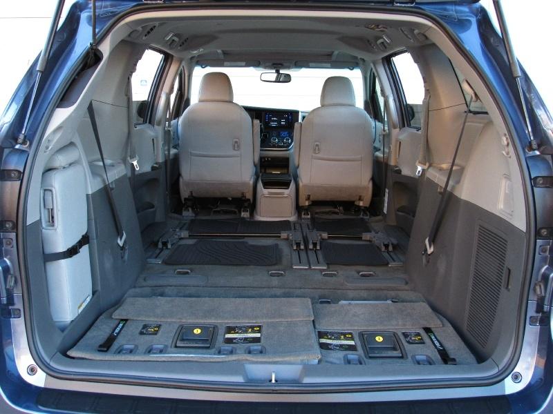 Toyota Sienna XLE,Leather Seats 2017 price $25,495