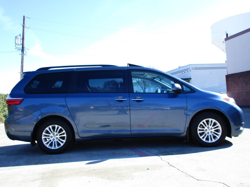 Toyota Sienna XLE,Leather Seats 2017 price $25,495