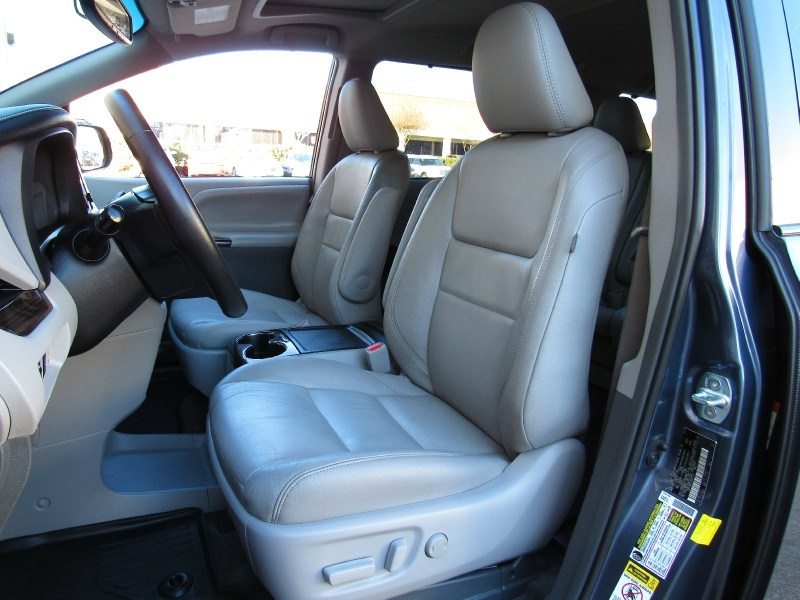 Toyota Sienna XLE,Leather Seats 2017 price $26,995