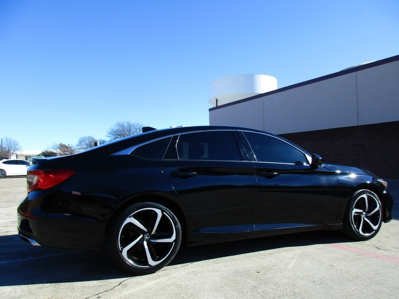 Honda Accord Sport,Apple,Android Car-Play 2018 price $21,995