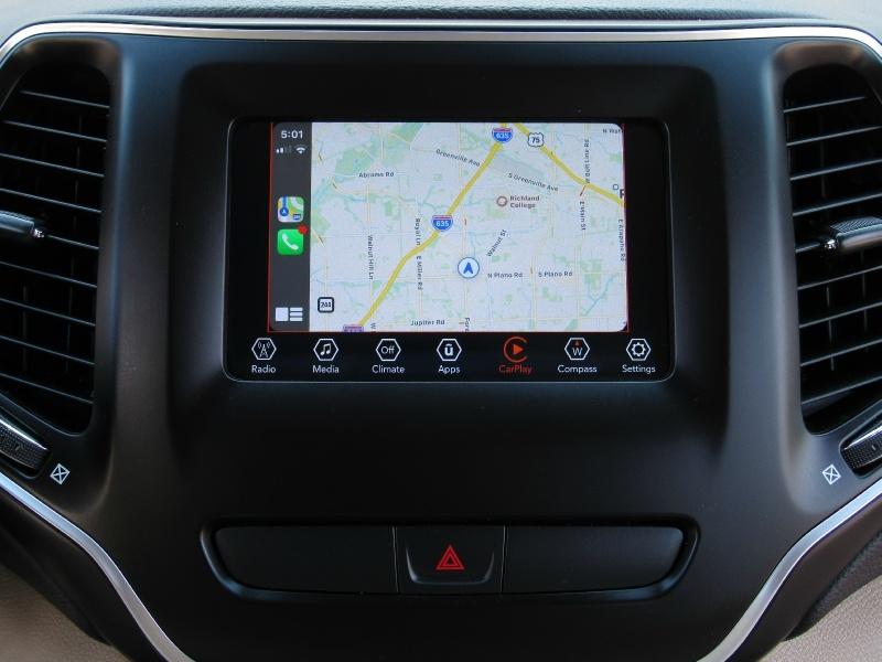 Jeep Cherokee Latitude,Apple,Android Car-Play 2019 price $18,995