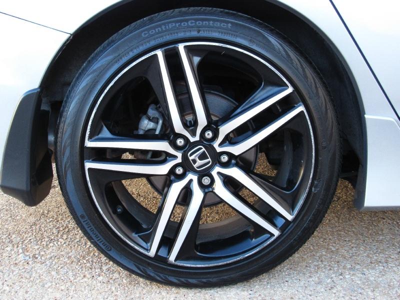 Honda Accord V6 Touring,Navi,Apple,Android Car-Play 2017 price $22,995