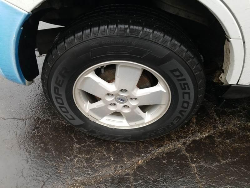 Ford Escape 2012 price $3,595