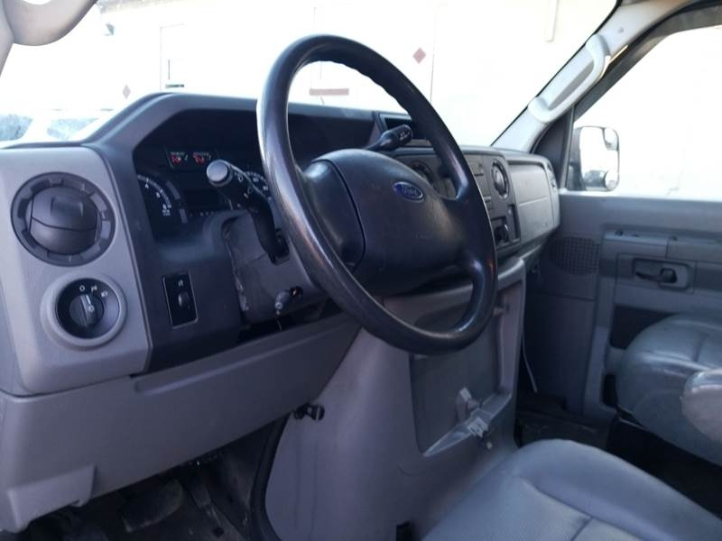 Ford E-Series Cargo 2013 price $5,895