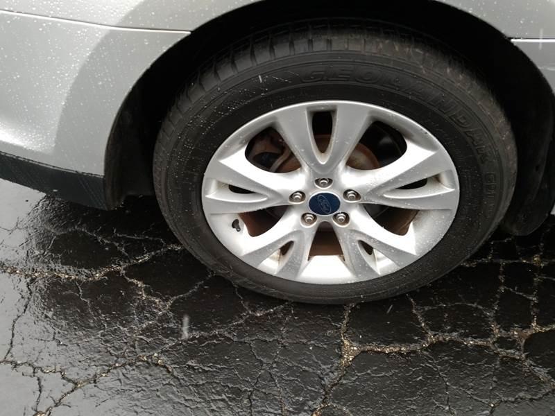Ford Taurus 2011 price $4,995
