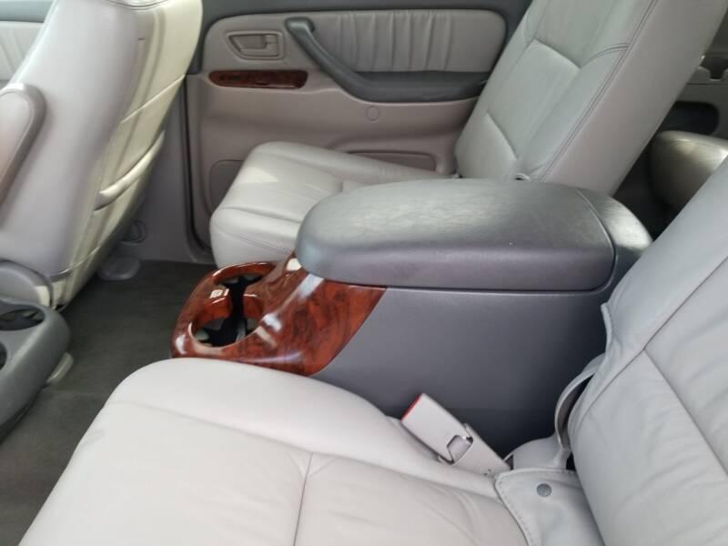 Toyota Sequoia 2007 price $5,895