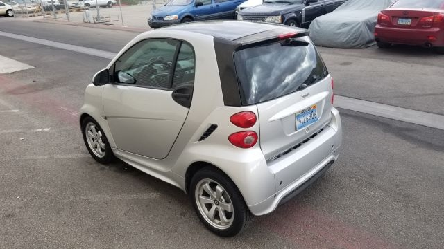 smart fortwo 2013 price $6,777
