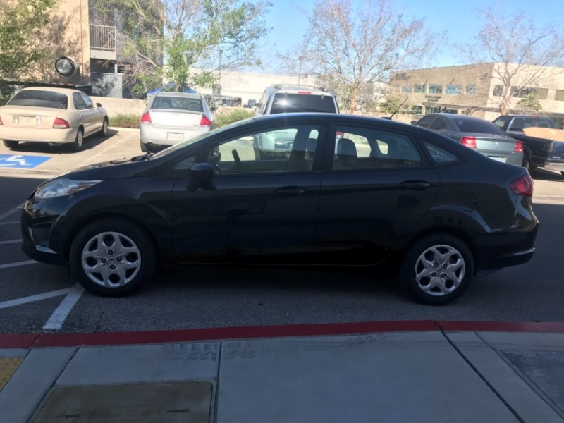 Ford Fiesta 2013 price $6,988