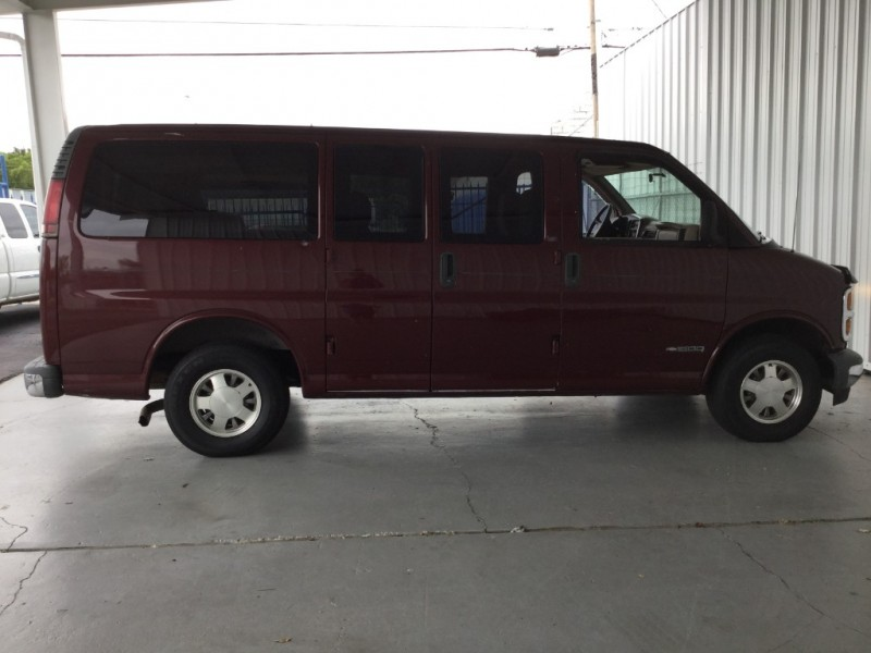 Chevrolet Express Cargo Van 2000 price $5,995