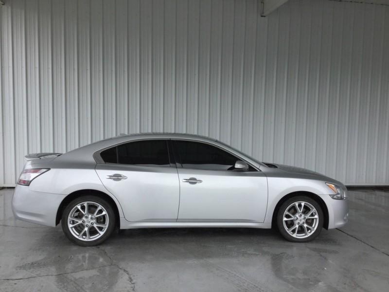 Nissan Maxima 2014 price $14,777