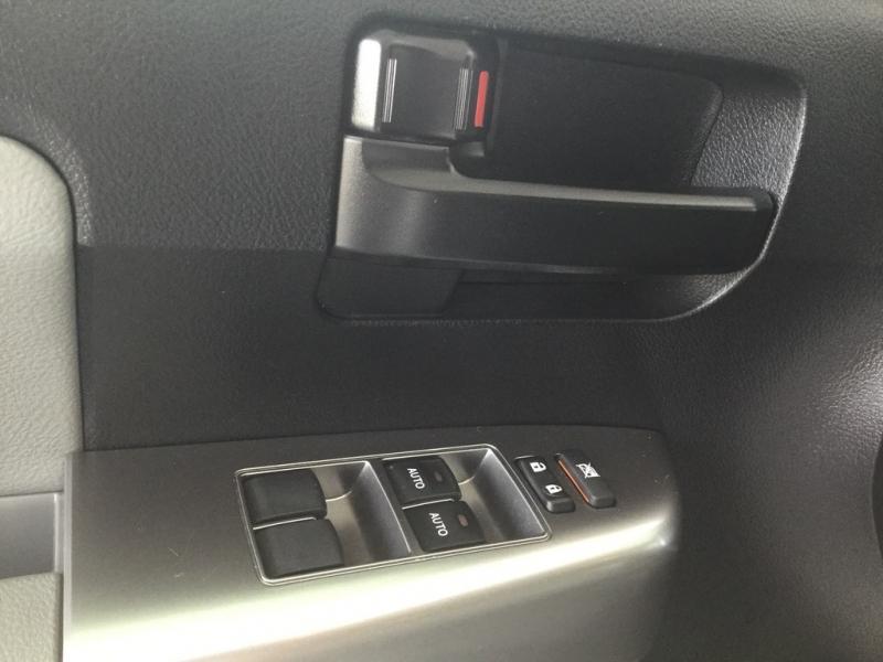 Toyota Sequoia 2019 price $37,499