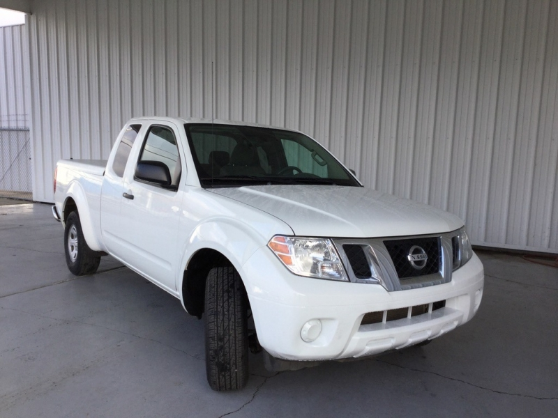 Nissan Frontier 2016 price $13,995