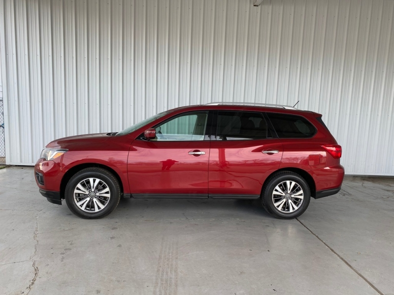 Nissan Pathfinder 2017 price $15,499