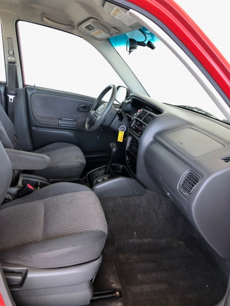Chevrolet Tracker 2002 price $4,995